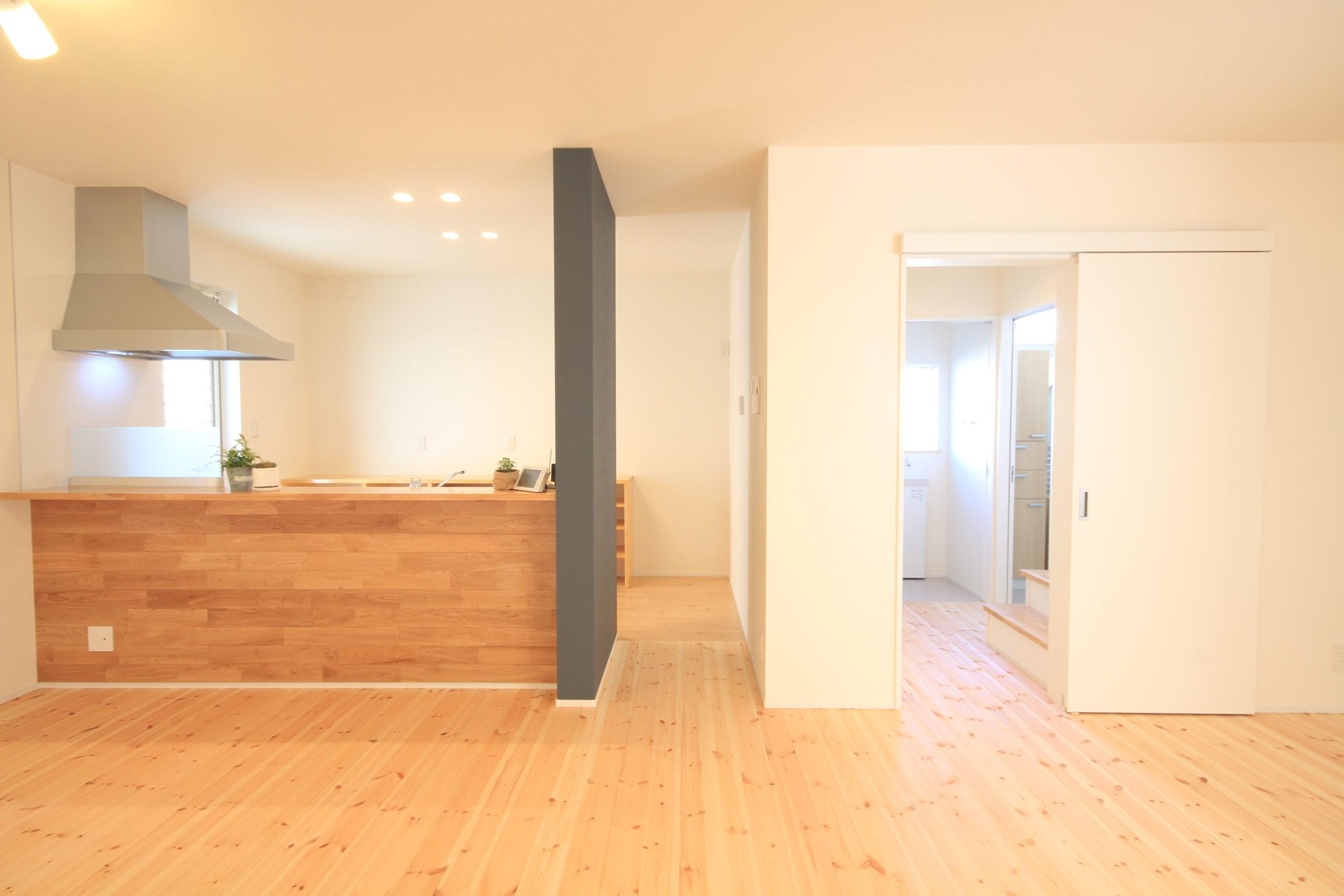栃木県上三川の耐震住宅施工事例K邸のダイニングキッチン