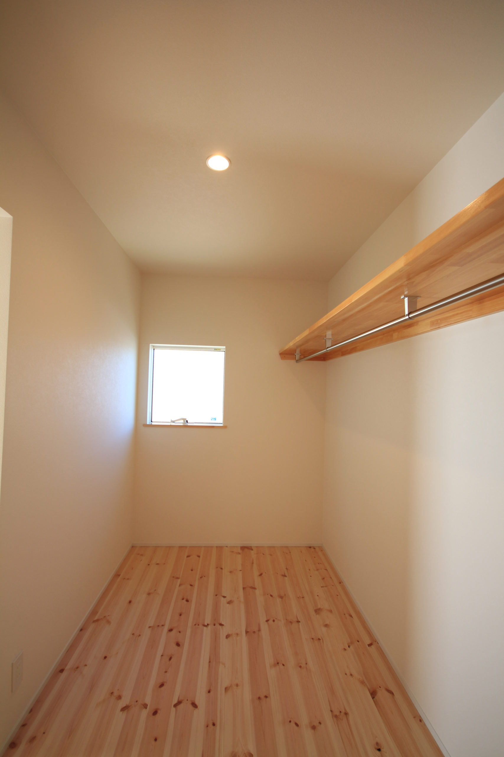 栃木県上三川の耐震住宅施工事例K邸のクローゼット
