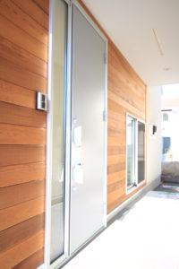 栃木県上三川の耐震住宅施工事例K邸の玄関ドア