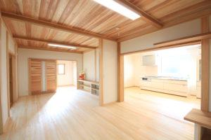 栃木県上三川の耐震住宅施工事例M邸のリビング