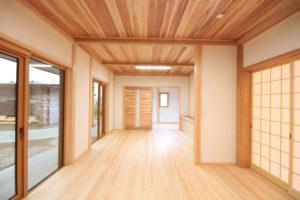 栃木県上三川の耐震住宅施工事例M邸のリビング2